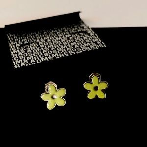 MARC BY MARC JACOBS yellow daisy stud earrings NWT